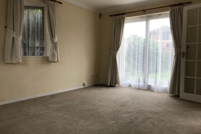 Living Room of Essex Hall Road, Colchester CO1