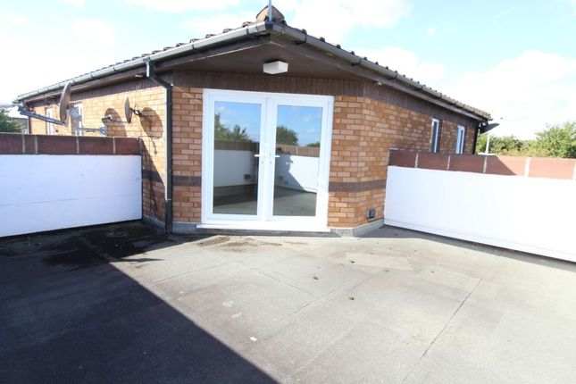 Thumbnail Flat to rent in Broadway, Grimsby