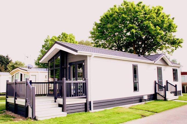 Thumbnail Bungalow for sale in Frinton Road, Thorpe Le Soken, Clacton On Sea