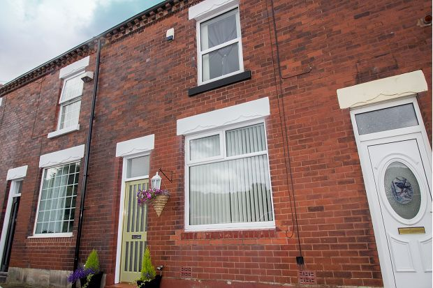 Thumbnail Terraced house to rent in Heaton Road, Lostock, Bolton
