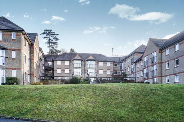 Thumbnail Flat for sale in Egypt Esplanade, Cowes