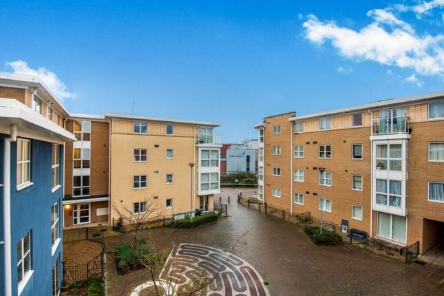 Thumbnail Terraced house to rent in Richmond Court, Exeter