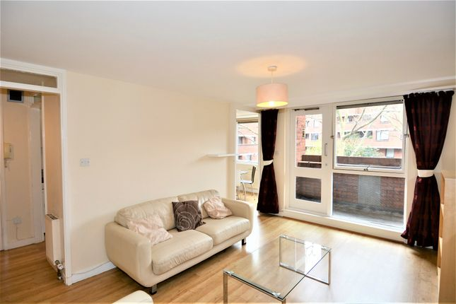 2 bed maisonette to rent in Vauxhall Bridge Road, London