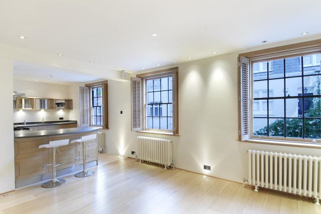 Thumbnail Mews house to rent in Devonshire Mews South, Marylebone, London