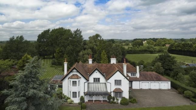 Thumbnail Detached house for sale in Puttenham, Tring, Hertfordshire