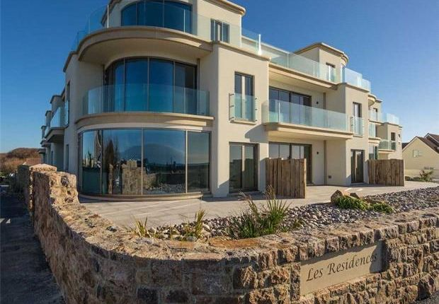Thumbnail Flat for sale in La Pouquelah, Castel, Guernsey