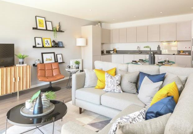 1 bedroom flat for sale in Pears Road, Hounslow