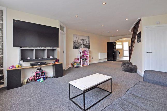 Thumbnail Flat to rent in Stylish Maisonette, Chepstow Road, Newport