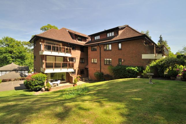 Thumbnail Flat for sale in Holmbury Park, Bromley
