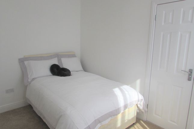 3 bed shared accommodation to rent in Masons Avenue, Harrow Wealdstone