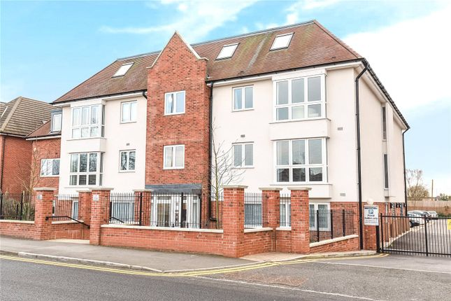 Picture No. 10 of Piccadilly House, 24 Pembroke Road, Ruislip, Middlesex HA4
