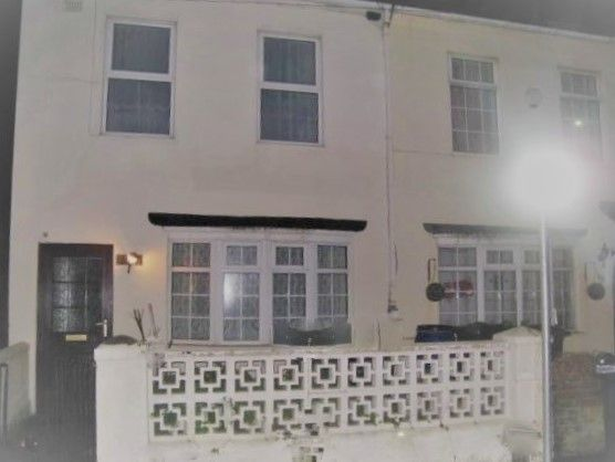 Thumbnail Terraced house to rent in Ashford Road, Eastbourne