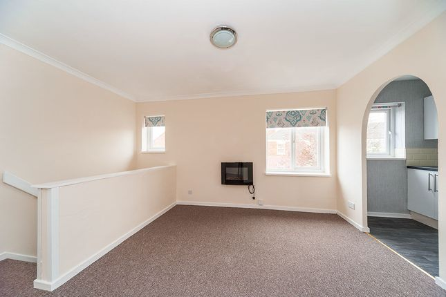 Thumbnail Flat for sale in Broadley Close, Hull