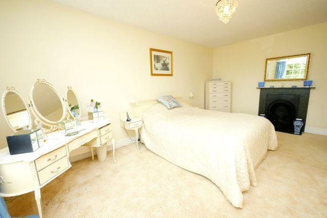 Bedroom of Thornhill Road, South Marston, Swindon SN3