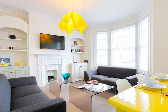 Thumbnail Triplex to rent in Harbord Street, London