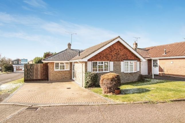 Thumbnail Detached bungalow to rent in The Coppice, Great Kingshill, High Wycombe