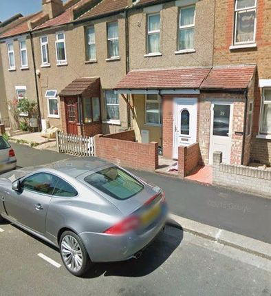 Thumbnail Terraced house to rent in Myrtle Road, Hounslow