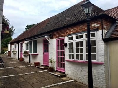 Retail premises to let in Thatchers Yard, Church Street, Kintbury, Berkshire