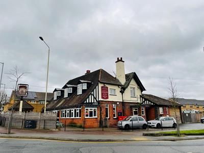 Thumbnail Commercial property for sale in The Harrow, Billet Road, Romford, Greater London
