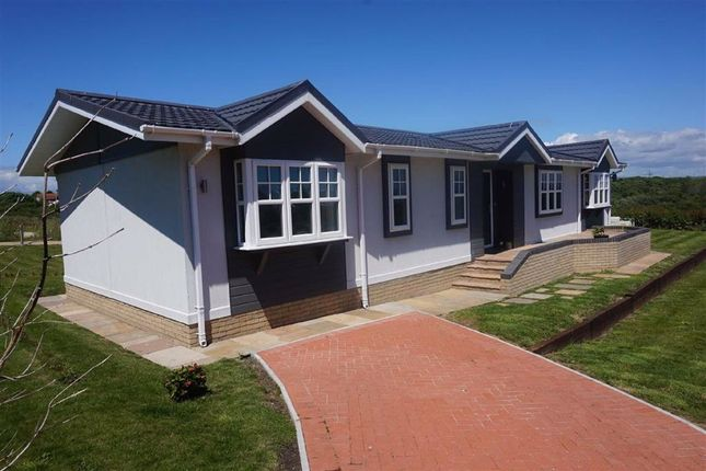Thumbnail Mobile/park home for sale in Chickerell Road, Weymouth, Dorset