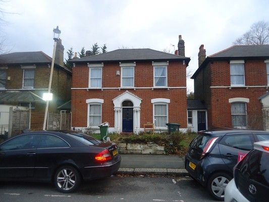 Thumbnail Shared accommodation to rent in Hampton Road, London