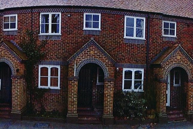 Thumbnail Terraced house to rent in Park Avenue, Winchester