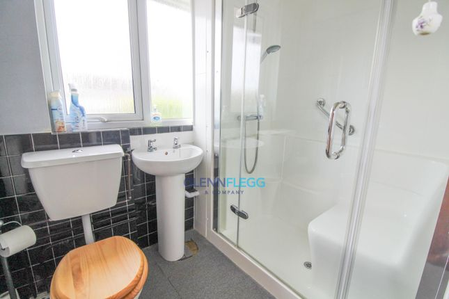 Bathroom of Parlaunt Road, Langley, Slough SL3