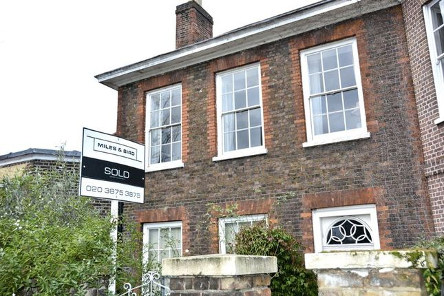 Thumbnail Terraced house for sale in Hampton Court Road, East Molesey