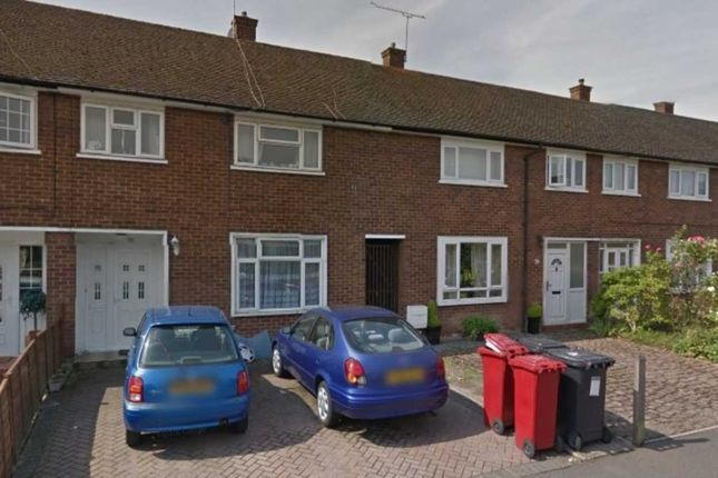 Thumbnail Property to rent in Harrow Road, Langley, Slough