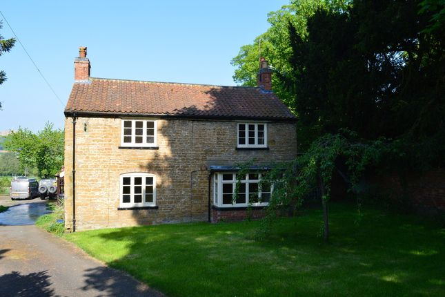 Thumbnail Cottage to rent in Rectory Lane, Woolsthorpe, Grantham