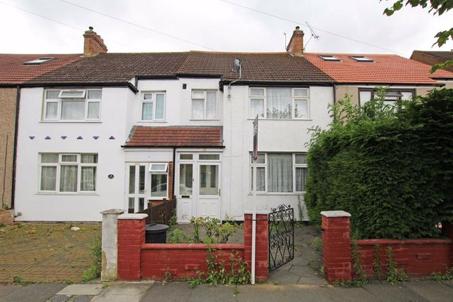Thumbnail Property to rent in Middle Road, London