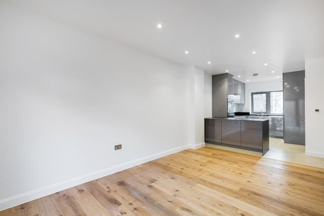 Thumbnail 4 bed town house for sale in Malpas Road, London