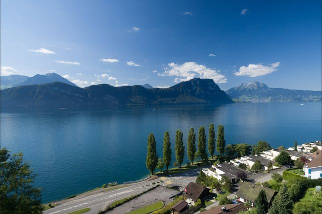 Thumbnail Villa for sale in Lorbeerweg 14, 6353 Weggis, District Lucerne-Land, Lucerne, Switzerland