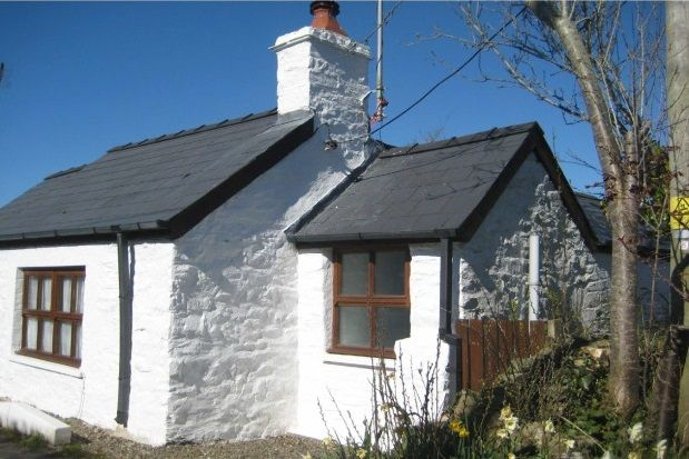 Thumbnail Cottage to rent in Moylegrove, Cardigan