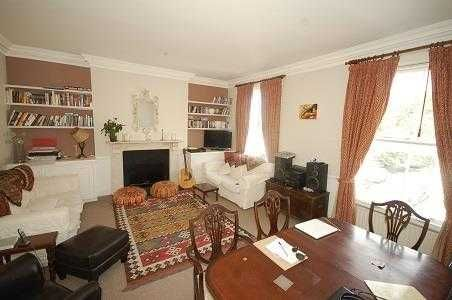 3 bed flat to rent in Russell Gardens, London
