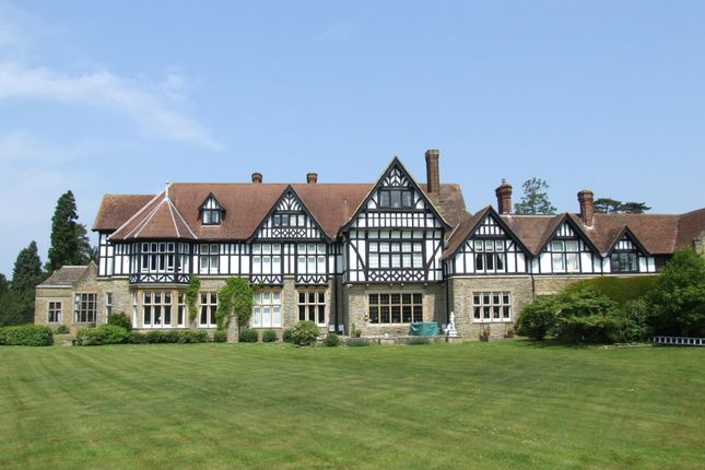 Flat to rent in Roffey Park, Forest Road, Colgate, Horsham