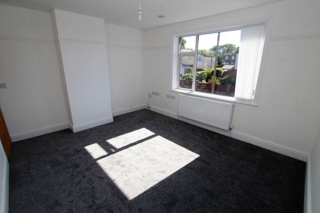 Thumbnail Flat to rent in Dunriding Lane, St Helens, Merseyside