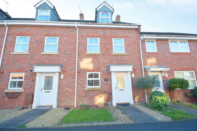 Thumbnail Town house for sale in Station Road, Alcester
