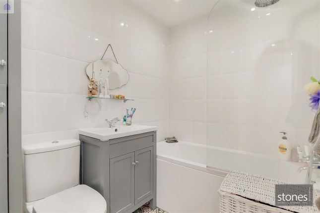 13_Bathroom-0 of Tallis Way, Borehamwood WD6