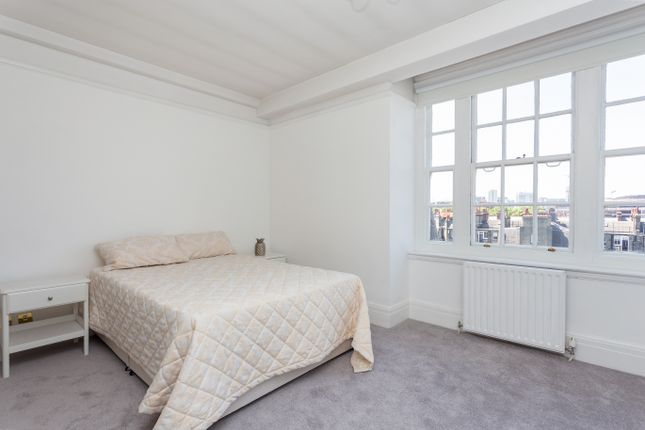 Master Bedroom of Baker Street, London NW1