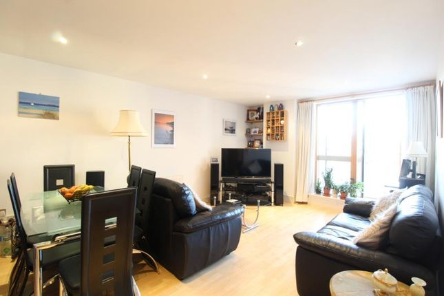 Thumbnail Flat for sale in Cromwell Court, 10 Bowman Lane, Leeds
