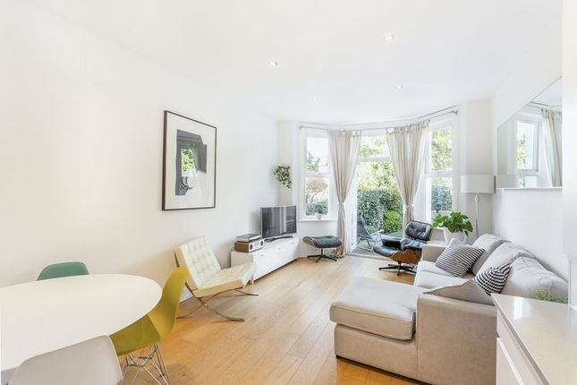 2 bed flat for sale in Harvey Road, London