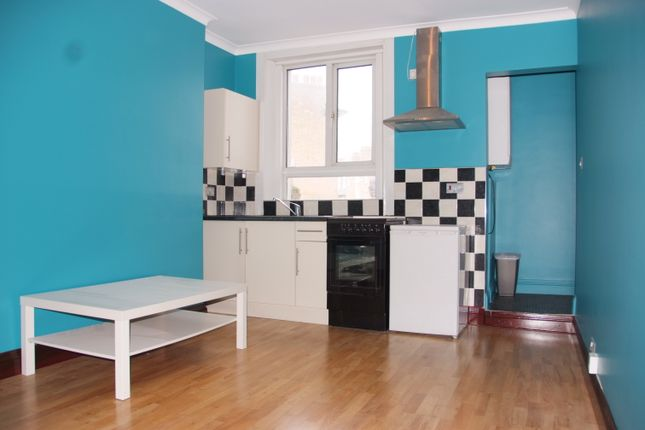 Thumbnail Flat to rent in Camberwell Church Street, London