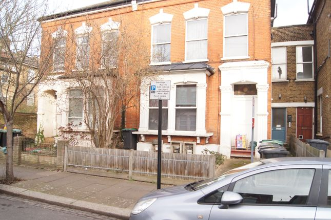 Thumbnail Flat for sale in Pembury Road, London