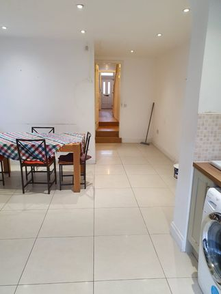 Thumbnail Terraced house to rent in Grove Green Road, London