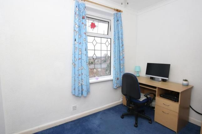 Picture No.09 of Manor Oaks Close, Sheffield, South Yorkshire S2