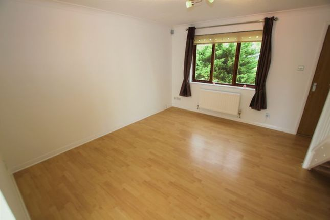 Lounge of Rice Way, Motherwell ML1