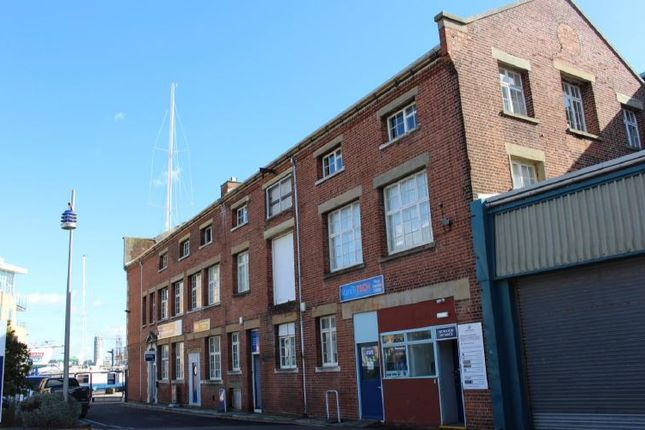 Office to let in Endeavour Quay, The Quay, Gosport