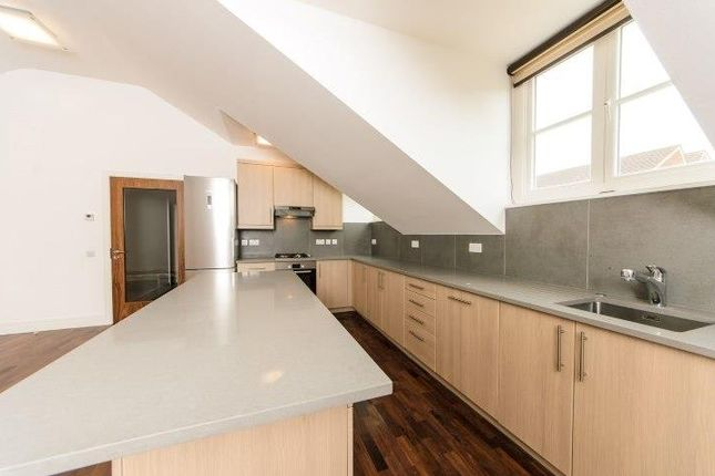 Flat to rent in North Road, Brentford