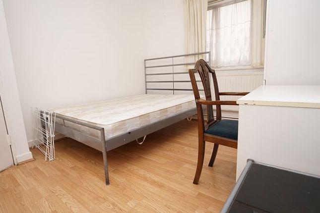 Thumbnail Room to rent in Doveton Street, London